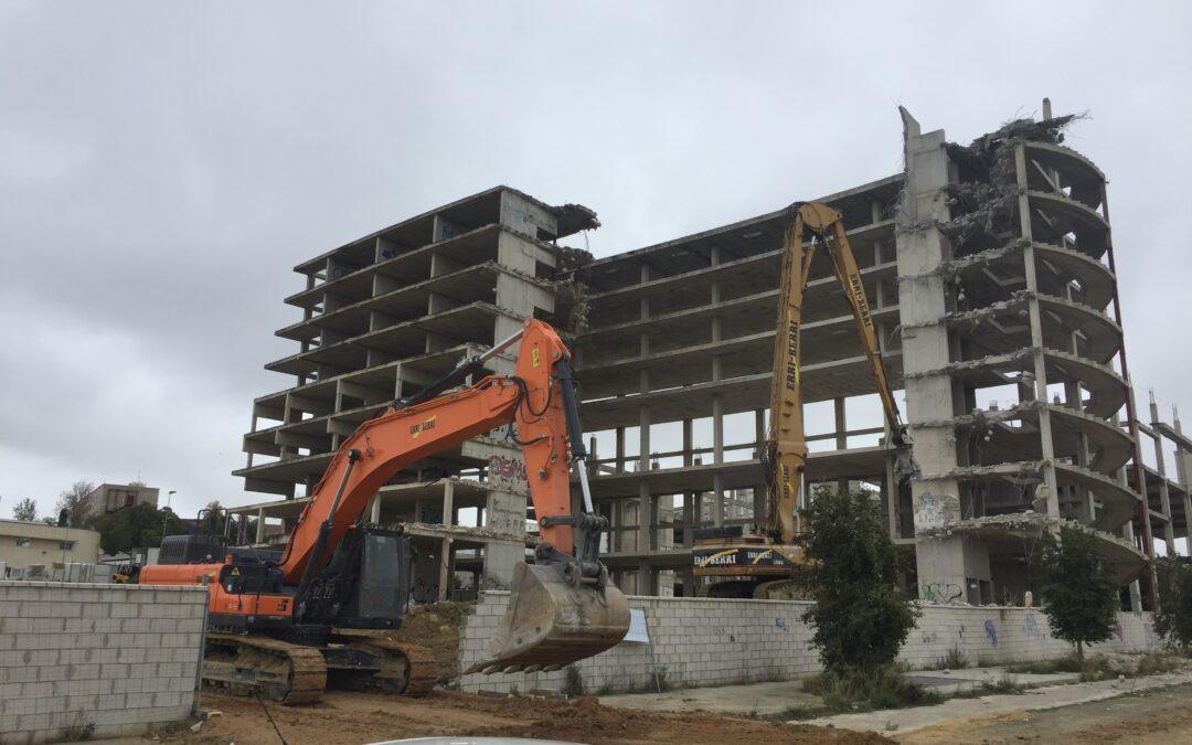 Demolición de Estructura. JEREZ DE LA FRONTERA